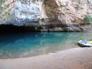Altınbeşik Mağarası, hem içi hem dışıyla doğal zenginlik