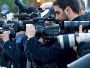 Bir yılda 840 gazeteci koronadan hayatını kaybetti