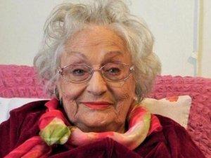 Ünlü sanatçı Altan Karındaş hayatını kaybetti