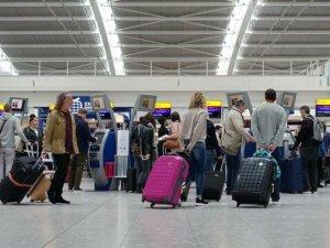 Güney Kıbrıs aşı olan İngiliz vatandaşlarınıkabul ediyor