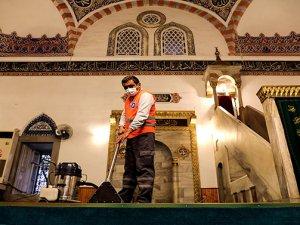 Antalya'da Ramazan ayı öncesi camiler temizlendi