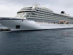 Norveç kruvaziyer gemisi ikmal için Bodrum'a demir attı