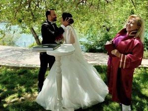 Manavgat'ta nikahlar açık alanda kıyılıyor