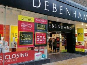 İngiliz perakende zinciri Debenhams, mağazalarını kapatıyor