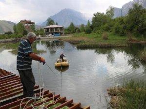 Turizme kazandırılacak göletten 15 ton çöp çıktı!