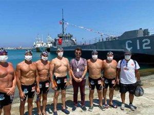 Eski Bakan Kürşad Tüzmen Rusya'dan Türkiye'ye yüzecek