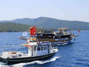 """Muğla'nın denizlerini 7 adet """"Atık Alım Teknesi"""" temizliyor"""