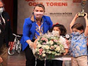 Satranç Turnuvası'na dereceye giren öğrenciler ödüllendirildi