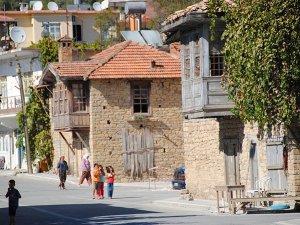 Taşağıl'da restore edilen 5 taş ev köy turizmine kazandırıldı