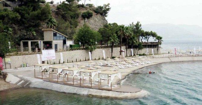 Ücretsiz Halk Plajı'nda şezlong parası kavgası