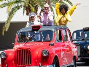 Branson, Virgin Hotels Las Vegas'ın açılışını kutladı