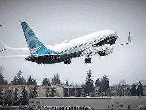 Boeing'in 737 Max'in en yeni versiyonu ilk uçuşunu yapıyor