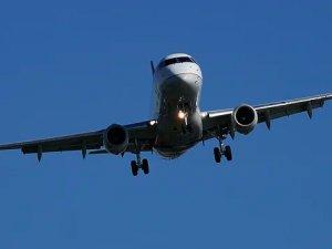 United CEO'su: Uçakta maske kullanımı Eylül'de sona erecek
