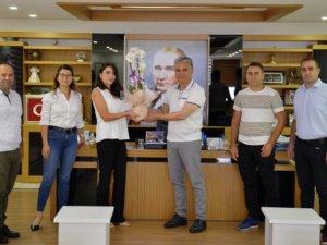 Başkan Uysal, Covid 19 mücadesi veren doktorları ziyaret etti