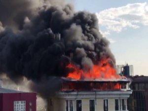 Ankara'da otel yangını! Alevlerin arasında kalan vatandaş kurtarıldı...