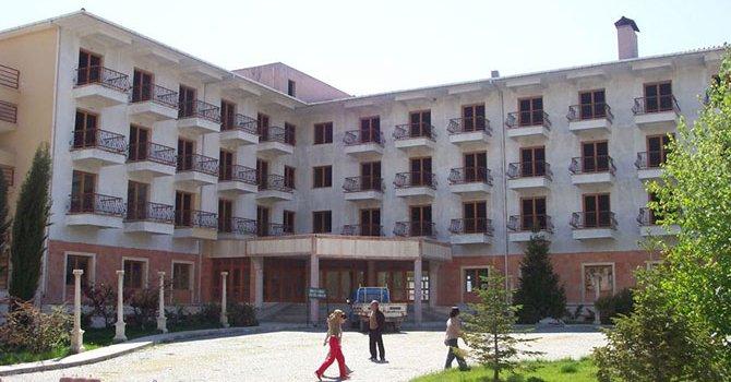 Ayder'de kaçak yapılar yıkılıyor