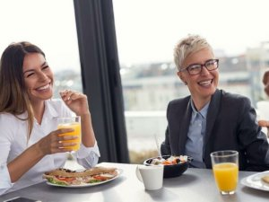 Dev şirketlerden ofise geri dönüş için yemek teşviki