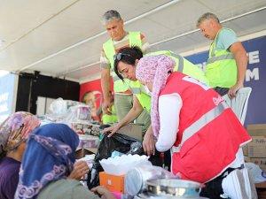 Yangın bölgesinde mobil destek birimleri yardım ediyor