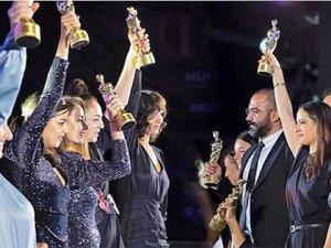 Yaşaroğlu'na 'Meslek Onur Ödülü'