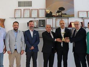 Zeytin ve zeytinyağı ihracatınailk üç firmaya ödülleri verildi