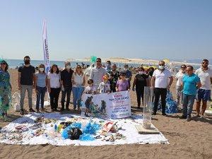 Dünya Temizlik Günü'nde Lara sahilinde kıyı temizliği yapıldı