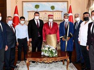 Yılın Ahisi 55 yıllık saraç 81 yaşındaki Osman Kaya oldu