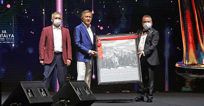 Türk MOL yüzde 90 indirimle açıldı