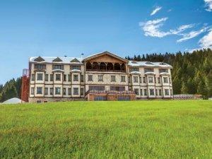 1700 rakımda doğa dostu Zifin Otel kömürü terketti