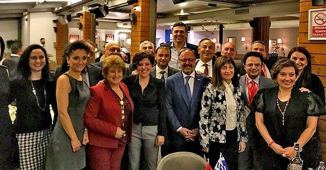 Assos'a Aristo heykeli dikildi