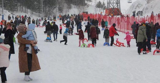 Piramitler Troya'ya hazırlanıyor