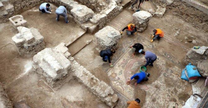 Boeing'den ilkokula yardım