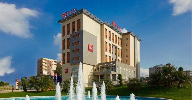 Türkiye dostlarına plaket verildi