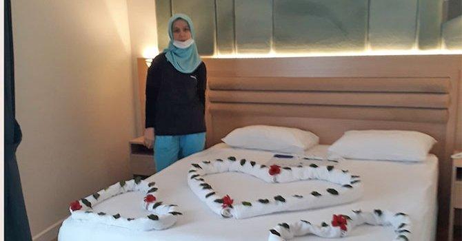 Mersin'de yürüyüş yoluna tabela