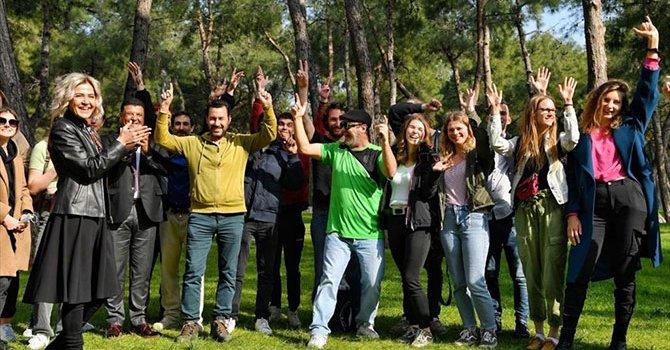 Kongo'da yolcusuz B-737 düştü