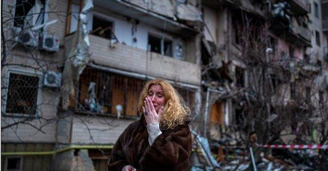 The Marmara Oteli'ne pankart