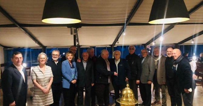 Lufthansa uçağı, Prag'a acil indi