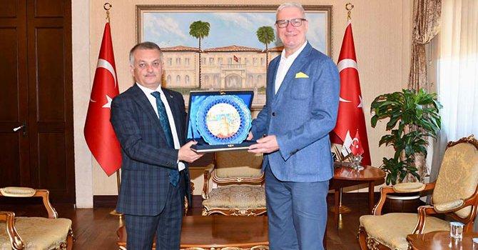 Uçağın parçaları Senegal'de