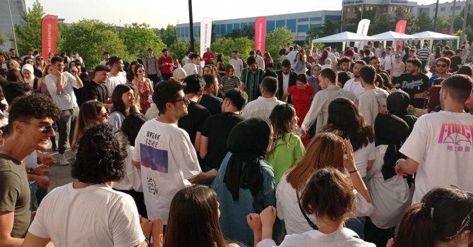 Köprünün yanına ikinci köprü
