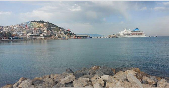 Kahire'ye yılda 10 milyon turist