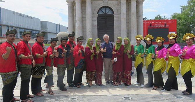 5 bin ton kumdan 100 heykel