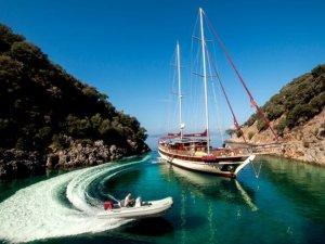 Yelkenli tekne ile tatil hem de eğitim