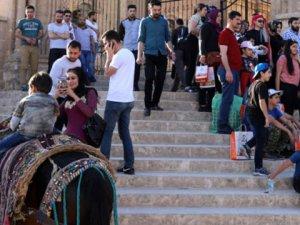 Turistler Mardin'de otellerde yer kalmadı
