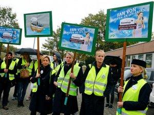 Almanya'da, grev nedeniyle uçuşlar iptal ediliyor