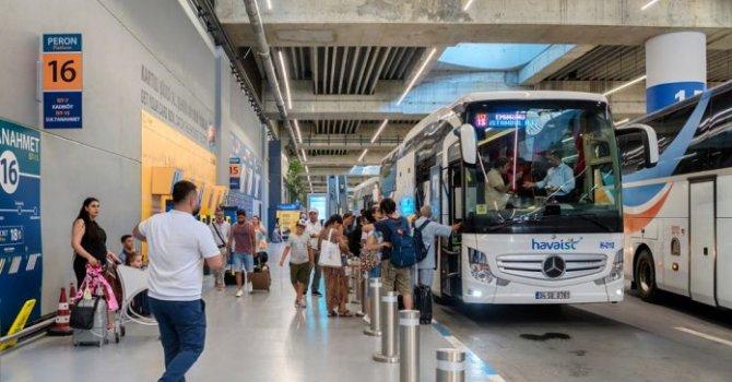 Şiddetli fırtınadan uçaklar devrildi