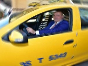 Müşterisini gezdirip aldatan taksiciye hapis şoku