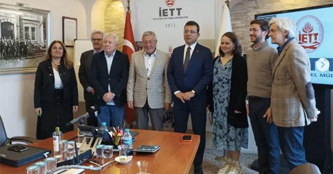 Ölü caretta, turistleri üzdü