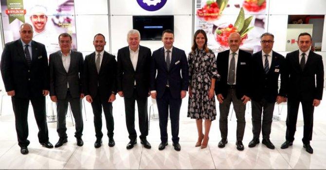 Donanma, Boğaziçi'nden geçti