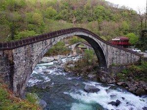 Tarihi Çifte Köprüler turistleri çekiyor
