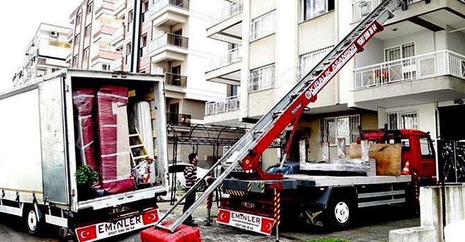 Dolar 1.4940, avro 2.0280 lira