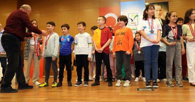 Başbakan Libya'da otel açtı